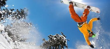 Slika deskarja na snegu, ki prikazuje nezamegljeno podrobnost s tehnologijo LED XR X-Motion Clarity™